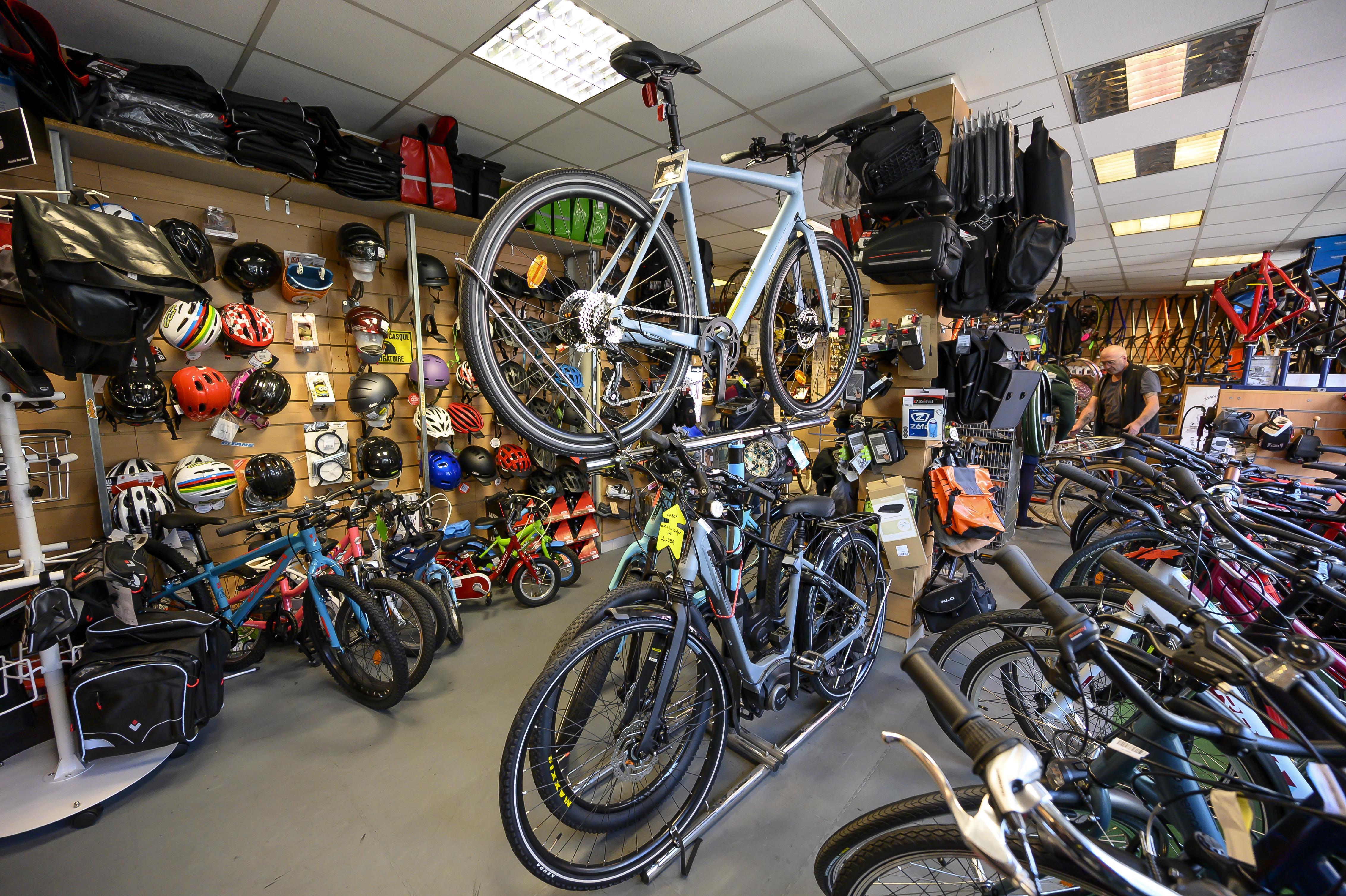Vélos, casques et accessoires dans la Boutique Les Petits Vélos de Maurice